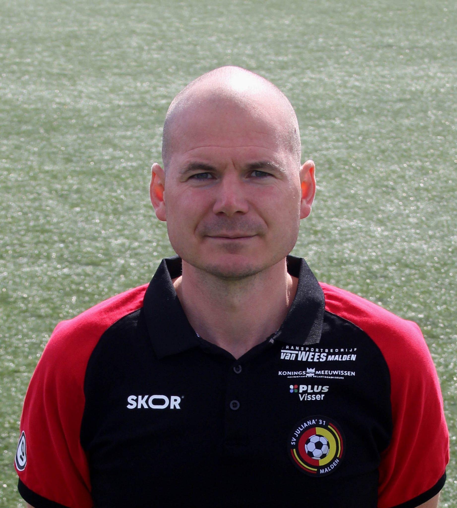 Rob Janssen ook in seizoen 2021-2022 trainer Juliana Za-1